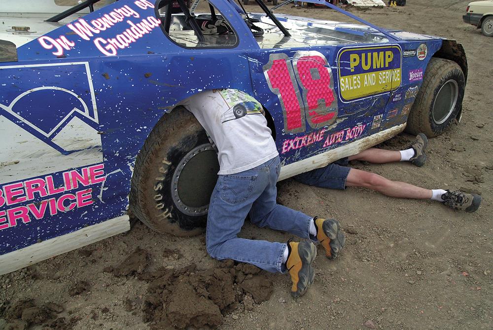 070201 race mud