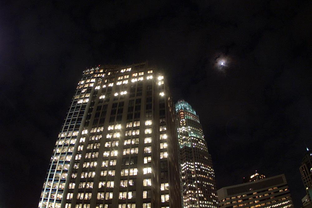 010903 uptown moon